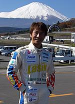 株式会社ケンオート代表取締役 兼 レーシングドライバー小原健一